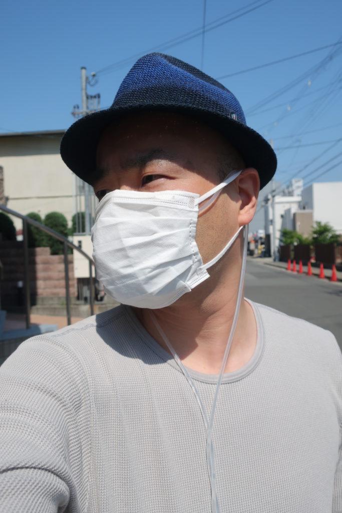 プリーツ型マスクを使用した場合、耳掛け通し部を使用せず、そのままマスクに内装する形で使用